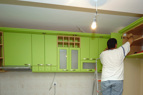 Vadonatúj konyhaszekrény 20 000 forintból - Így újíttasd fel ...