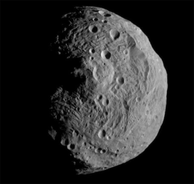 Forrás: NASA/JPL-Caltech/UCLA/MPS/DLR/IDA