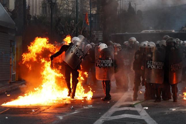 Forr�s: AFP/Angelos Tzortzinis