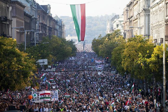 Figyelem - ellenzéki tüntetés lesz Október 23-án