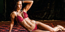 Forr�s: Facebook/ Rafaella Meszaros fitness model