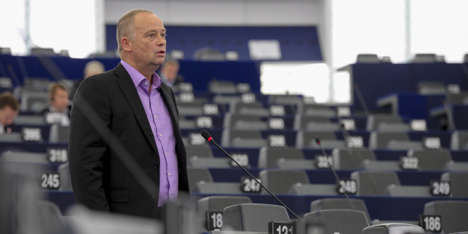 Forr�s: � European Union 2014
